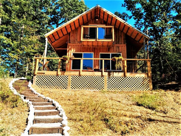 Brand new hand-crafted cabin near the Red River Gorge