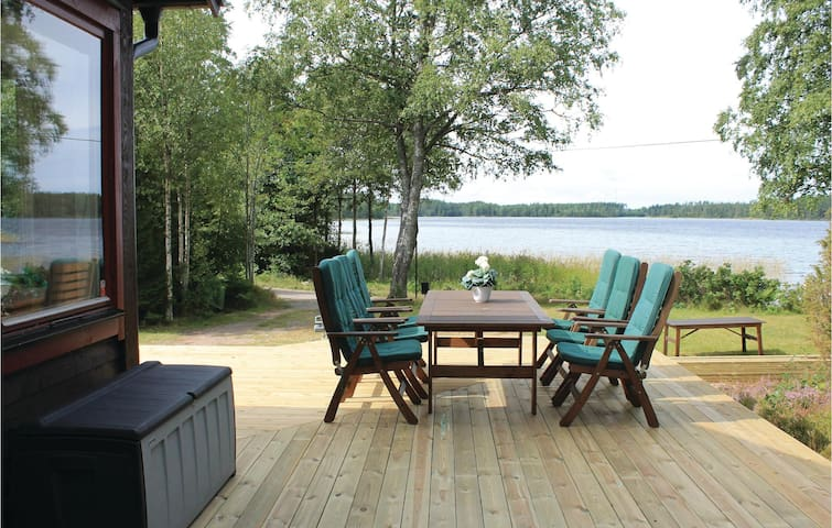 Holiday cottage with 3 bedrooms on 102m² in Älgarås