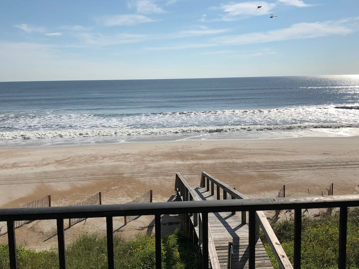 Luxury Beach Front Condo - Newly Remodeled