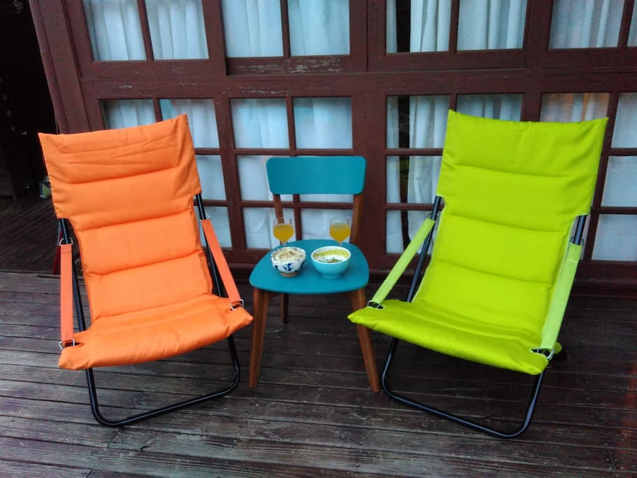 Garden chairs to enjoy the outside area.