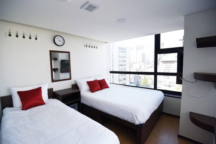 57 Myeongdong Hostel (Triple)