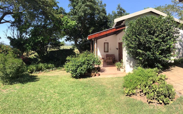 LOVELY GARDEN COTTAGE IN SALT ROCK
