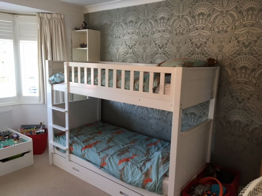 Children's room - sleeps 3 with trestle bed