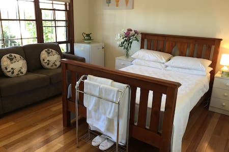 Home away from home - Matraville - House