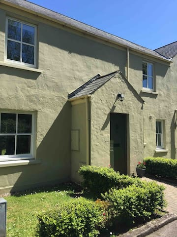 Property Building / Terraced