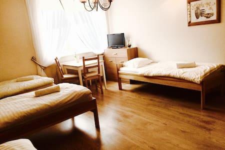 Agro nad Stawem - Małkowo - Bed & Breakfast