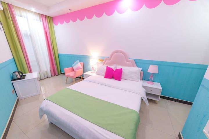 【U&WE·HOME】近景点 甜美公主大床房