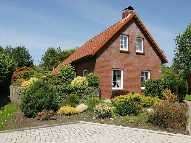 5-room house 120 m² Riedehuus in Norddeich