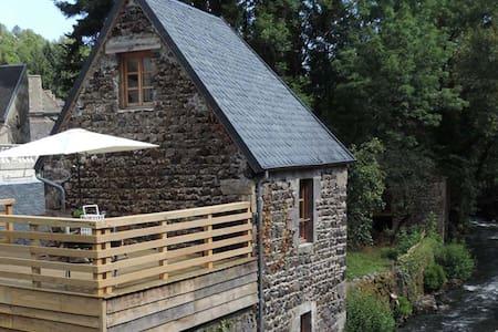 Vakantiehuis Auvergne Frankrijk in - Murol