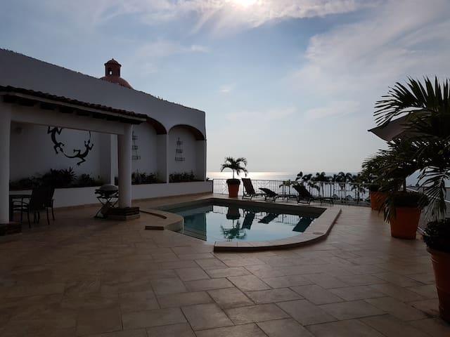 Villa Carter Sunsets and Serenity