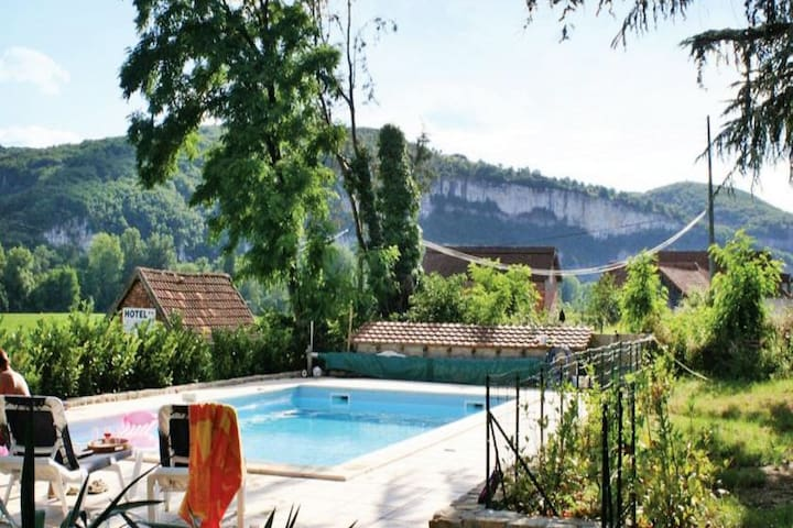 Lovely family home near St Cirq La Popie with private pool.