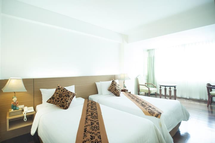 2 single beds in city center Platinum, MBK, Siam