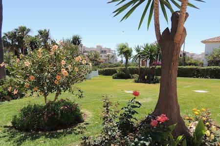 R2856575 – El Faro Apartment – Middle Floor - El Chaparral - Flat
