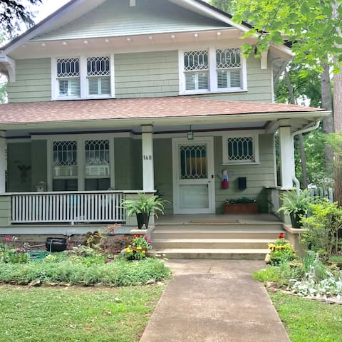 Historic Home Near Downtown Asheville Pvt Bed/Bath