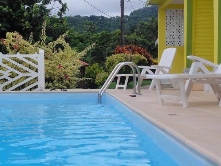 Villa F4 écologique (piscine) à 7 min des plages
