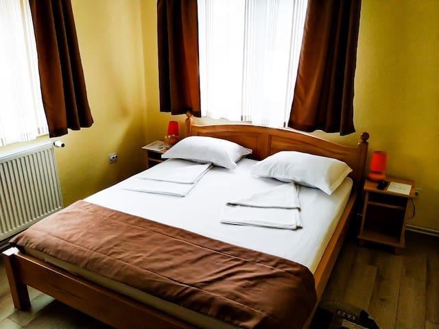 Venesis House - Double Room - no. 4