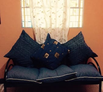 2-bedroom house with aircon & wifi - Rodriguez - Casa