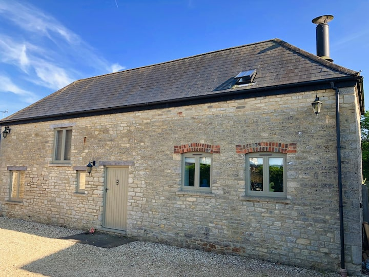 5* Luxury, Spacious, 2 Bed, Cotswold Cottage