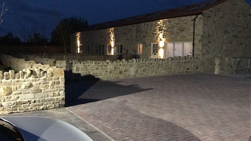 Quiet home for December near Wetherby racecourse