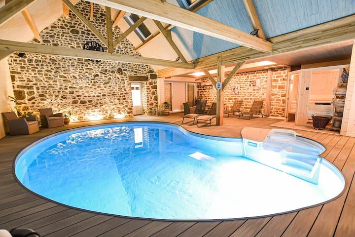 chambres d'hotes 3 la brocherie piscine intérieur