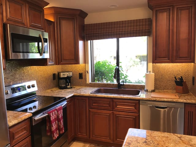Gorgeous unit in Indian Wells!