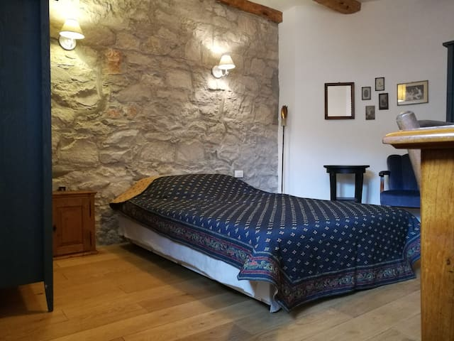 Private room in charming Karst house - Santa Croce - House