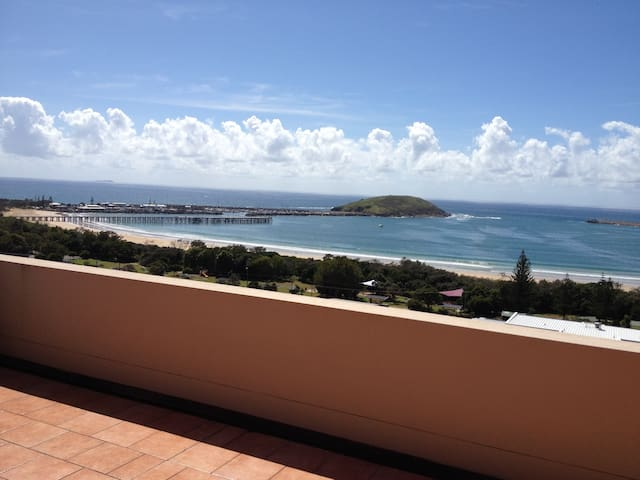 Apartment with Million Dollar Views - Coffs Harbour - Daire