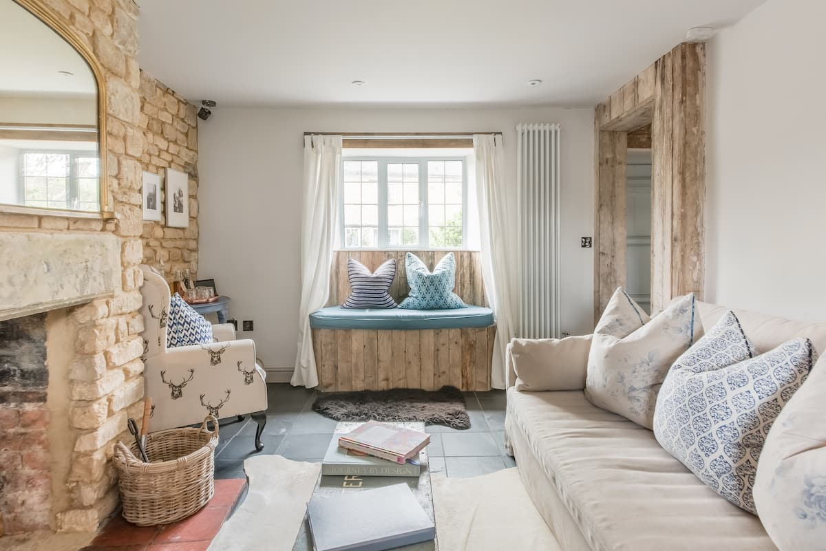 Ivy Cottage a Boutique Cotswolds Getaway in Long Compton