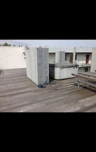 Nice room, with an outdoor spa! - Lägenhet