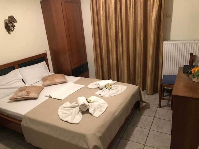 Economy Double Hotel Room with Balcony in Volos