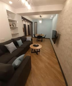 #Cozy modern 2bdr. apartemnt near Northern Avenue