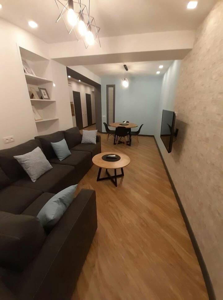 #Cozy modern 2bdr. apartemnt near Northern Avenue