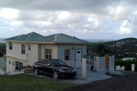 Tranquil on the Hill ! - Christiansted - Lejlighed