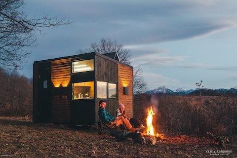 Автономный домик на вершине горы Гуд