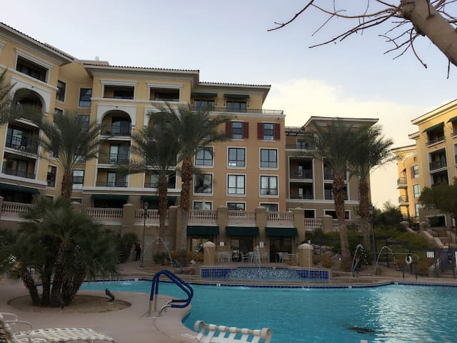 Luxury 1 Bedroom suite condo in Lake Las Vegas