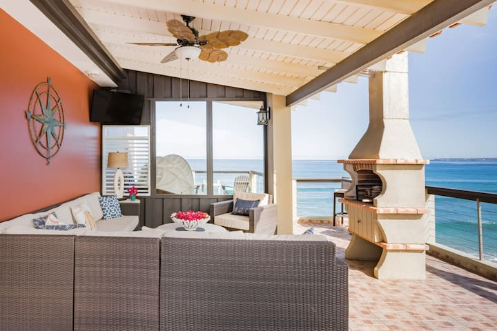 ★ Beachfront ★ Private Pool ★ AC ★ Gated Parking ★