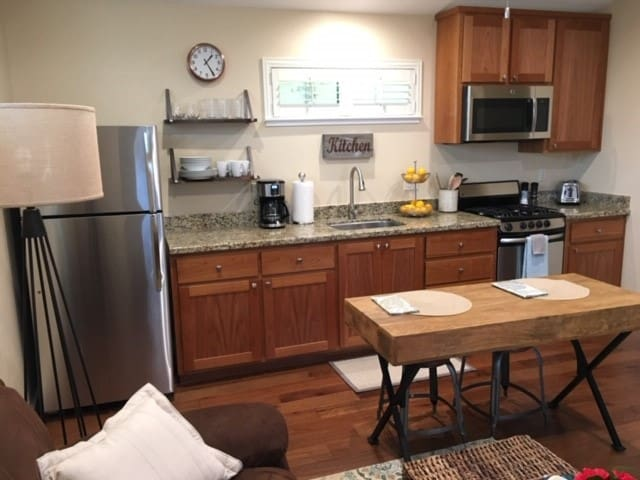 Woolsey Road Apartment - 30 day or longer stay