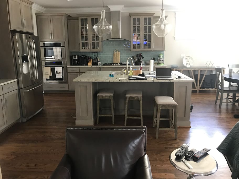 Large open kitchen w