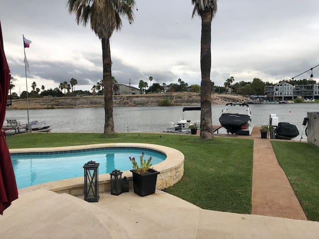 Lake LBJ Waterfront Getaway