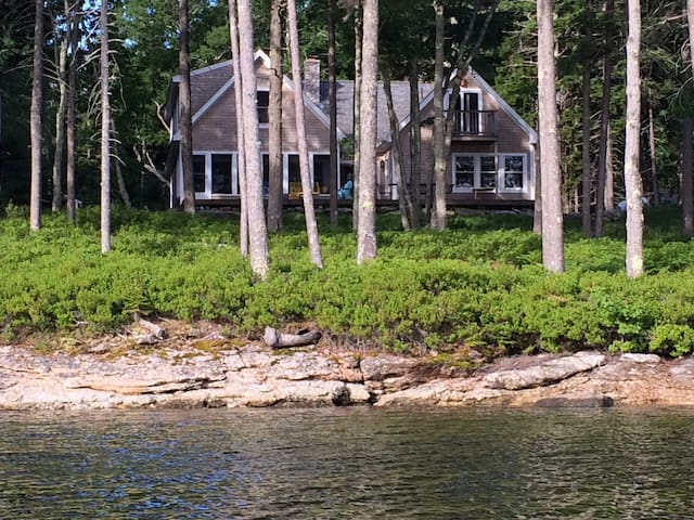 Waterfront cottage near mouth of the Kennebec