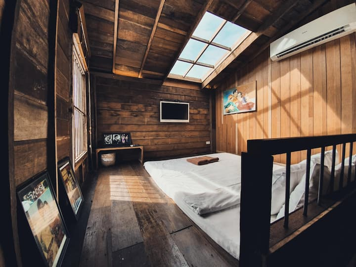 Suneta Hostel Chiang Khan - Attic Room Duplex