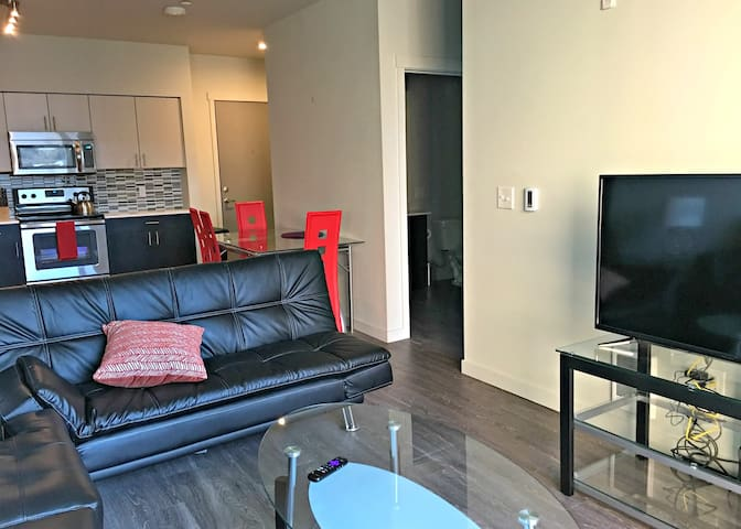 Furnished 1Br Condo in Upscale Seattle