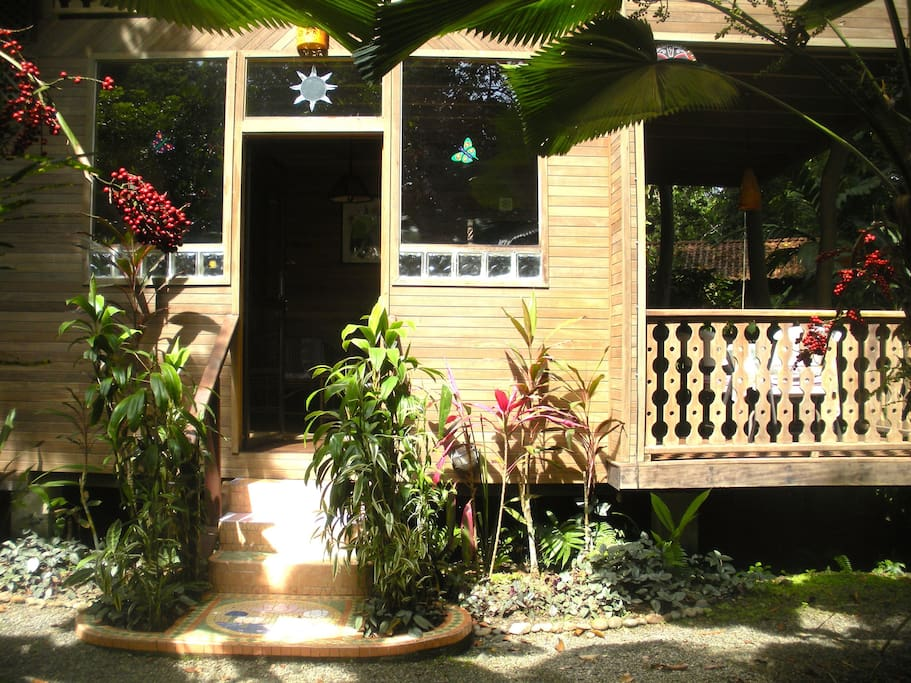 Faciada primer pizo Casa Radheya