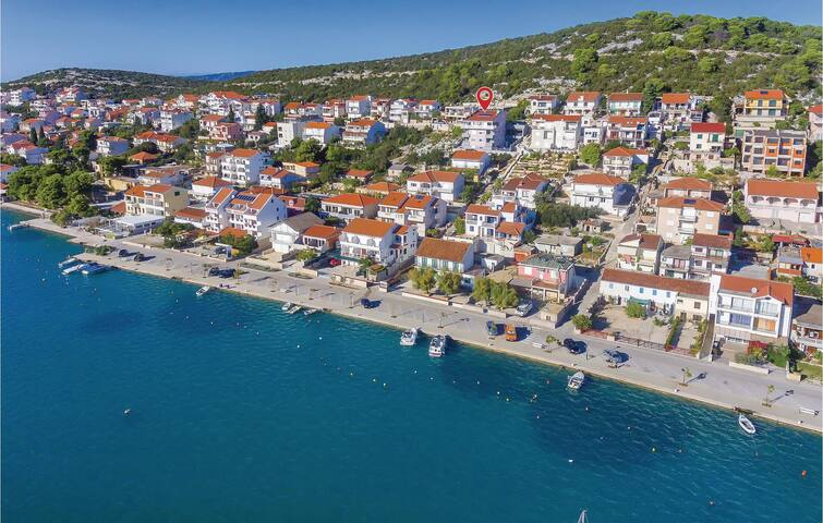 Holiday apartment with 2 bedrooms on 49m² in Tisno