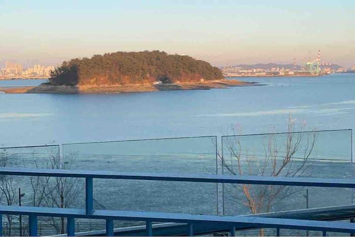 레나 Lena [영종도] 힐링오션뷰 Healing Ocean View{오션솔레뷰}