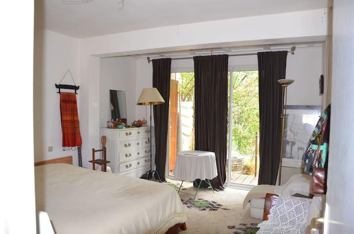 Chambre chez l'habitant à la campagne - Claret - Dom