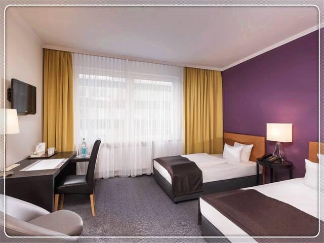 Sorat Hotel Ambassador4