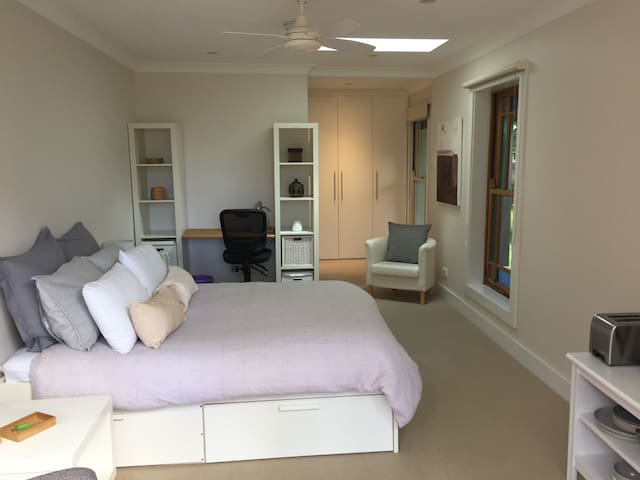 Private Courtyard Studio, Lane Cove