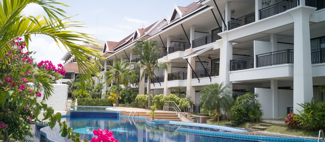 Sunrise Beach Resort & Residence ( Free wi-fi)