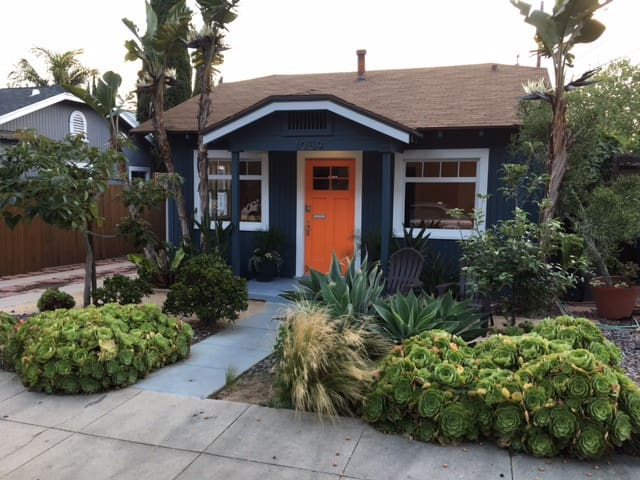 Charming Long Beach Craftsman, room for 7